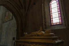 Tomba del poeta Luis de Camoes dentro il monastero di Jeronimos & il x28; fotografia stock