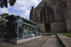 Tomba dell'arcivescovo ad College del re a Aberdeen fotografia stock