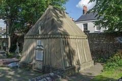 Tomba dell'esploratore Richard Burton, Mortlake, Londra fotografia stock