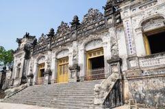 Tomba dell'imperatore Khai Dinh, tonalità Fotografia Stock Libera da Diritti
