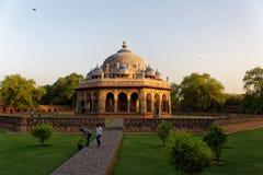 Tomba di Isa Khan Delhi India immagine stock