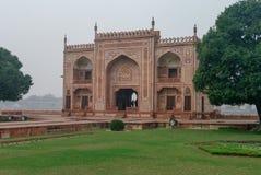 Tomba di Itmad Ud Daulah, diciassettesimo Taj centuryBaby Agra, Uttar Pradesh immagine stock libera da diritti