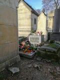 Tomba di Jim Morrison a Pere Lachaise Cemetery a Parigi immagini stock libere da diritti