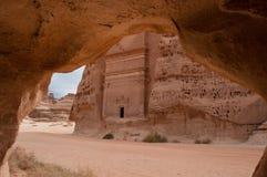Tomba di Nabatean nel sito archeologico di Madaîn Saleh, Arabia Saudita immagine stock libera da diritti