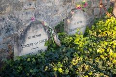 Tomba di Vincent Van Gogh all'Auvers-sur-Oise del sagrato del villaggio Immagini Stock