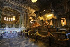 Tomba imperiale di Khai Dinh, sito del patrimonio mondiale dell'Unesco di Hue Vietnam immagine stock libera da diritti