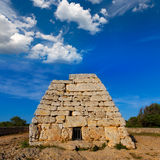 Tomba megalitica del DES Tudons di Menorca Ciutadella Naveta Fotografia Stock