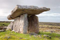 Tomba portale di Poulnabrone in Irlanda. Fotografia Stock Libera da Diritti