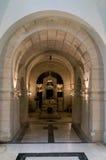 Tombe à l'intérieur de mausolée Image stock
