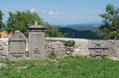 Tombe al san Vitus Parish Church in Gracisce Fotografie Stock Libere da Diritti