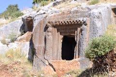 Tombe antique de roche Photographie stock