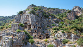 Tombe della roccia di panorama in Myra, Demre, Turchia Immagine Stock