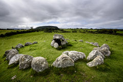 Tombe 7 Megalithic νεκροταφείο Carrowmore στοκ φωτογραφία με δικαίωμα ελεύθερης χρήσης
