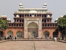Tombeau d'Akbar chez Sikandra près d'Agra - l'Inde Photographie stock libre de droits