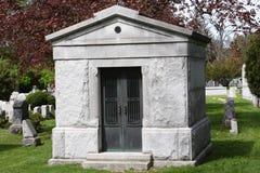 Tombeau dans le cimetière Image libre de droits