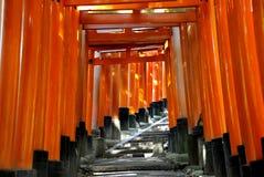 Tombeau de Fushimi Inari Taisha à Kyoto, Japon Image stock