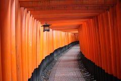 Tombeau de Shinto rouge Image stock