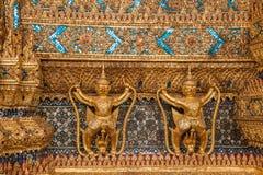 Tombeaux grands de Wat Phra Kaew de palais de Bangkok, Thaïlande Photos libres de droits