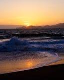 Tomber en panne ondule sur la plage de Baker Photos stock