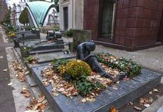 Tombes au cimetière monumental photographie stock libre de droits