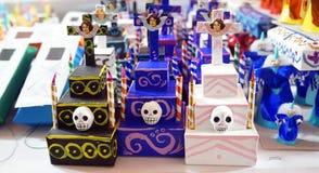 Tombes de carton images stock