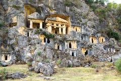 Tombes de roche dans Pinara, Turquie Photographie stock libre de droits