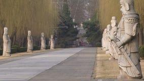 Tombes et statues de Ming banque de vidéos
