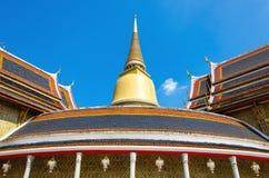 Tombes royales de Rachabophit et temple thaïlandais Images stock