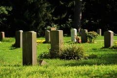 Tombes sur un cimetière Image libre de droits