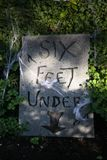 Tombstone 'Six feet under' Stock Photography