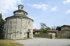 Tome de San, église près d'Almenno photographie stock libre de droits