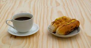 Tome o café da manhã com pão do padeiro Vietnamese ou do Vietname e coff preto imagens de stock royalty free