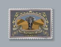 Tome o tipo e cole o envelope para enviar aos amigos Imagens de Stock Royalty Free