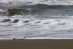 Tomglas på en kust Royaltyfri Foto