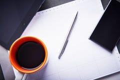 Tomhet och ingen inspiration för grafisk formgivare Tom notepad som ett symbol av hårt arbete av skapelsen Royaltyfria Foton