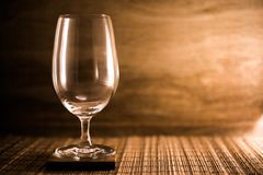 Tomma exponeringsglas för vin royaltyfria foton