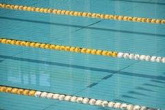 tomma lanes pool simning arkivfoto