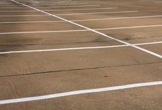 tomma parkeringsplatser Arkivbild
