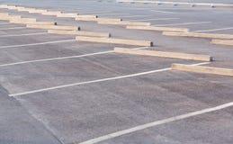 Tomma parkeringsplatser Arkivfoto