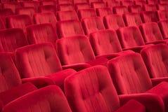 Tomma röda stolar Arkivfoton