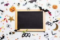 Tomma svart tavla- och halloween partigarneringar Royaltyfria Foton