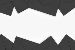 Tomma svarta kuvert på vit bakgrund, tolkning 3D Royaltyfri Bild