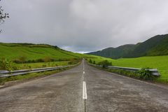 Tomma vägar i bygden - Azores - Portugal Royaltyfri Bild