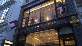 Tommy Hilfiger στη Βιέννη στοκ φωτογραφίες