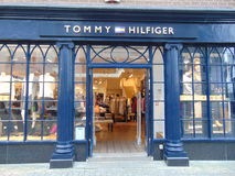 Tommy Hilfiger Shop Front in Waterford stock foto