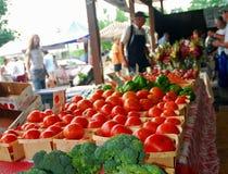 Tomoatoes, broccoli e più fresco al mercato Fotografia Stock Libera da Diritti