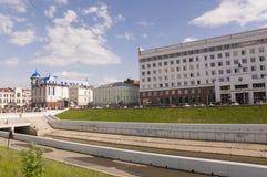 Tomsk, Rusland, het Vierkant van Lenin 10 juli, 2017 Beleid van de stad Het lopen op de stadsstraten in de zomer Royalty-vrije Stock Afbeeldingen