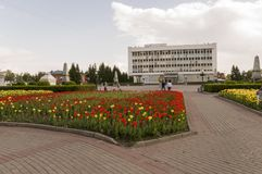 Tomsk, Rusland, het Vierkant van Lenin 10 juli, 2017 Beleid van de stad Het lopen op de stadsstraten in de zomer Royalty-vrije Stock Foto's