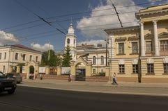 Tomsk, Russie, place de Lénine 10 juillet 2017 Partie centrale de la ville Rues de marche en été Image libre de droits