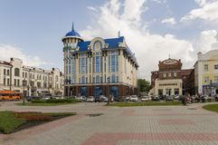 Tomsk, Russie, place de Lénine 10 juillet 2017 Partie centrale de la ville Rues de marche en été Images stock